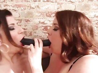 Orgy Fiends Sara Jay & Maggie Green Scissor Fuck & Grind Cunt
