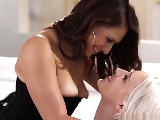 Wild Girl-on-girl Cadence Lux Squirts On Hot Sara Luvvs Adorable Face