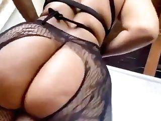 Giant Bum