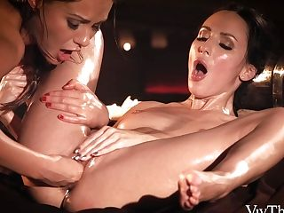 When Two Women Love Each Other - Lilu Moon & Tina Kay - Vivthomas