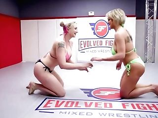 Nude Lezzie Grappling With Good Twat Eating Dee Williams Vs Leya Falcon