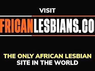 'black Lesbo Bathroom Muffdiving Feast'