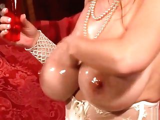 Buxom Mummy Lezzies Share Glass Faux-cock